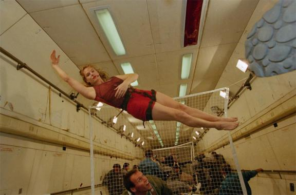 Morag Wightman takes a parabolic flight, and pulls an elegant dancing pose whilst floating.