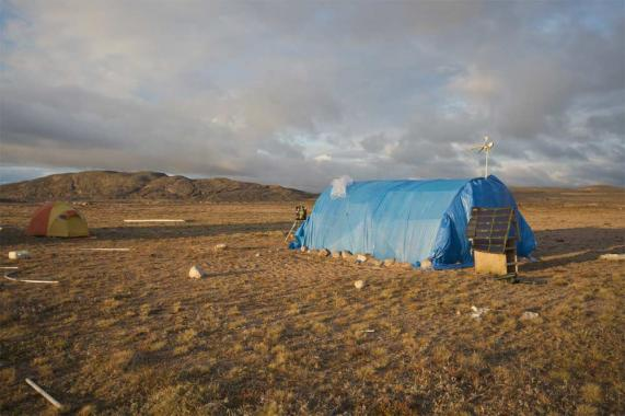 Marko Peljhan, Matthew Biederman, Arctic Perspective Initiative, Makeshift Media Lab Nunavut, Canada 2009.